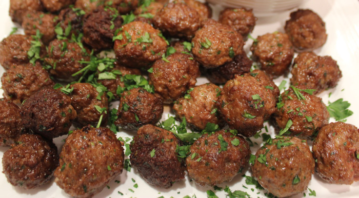 Spiced Lamb Meatballs With Garlicky Yogurt Sauce