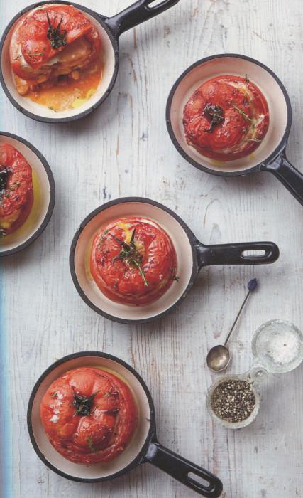 wc-Eggs-with-Tomato,-Sausage,-Egg,-Cinnamon-and-Chile