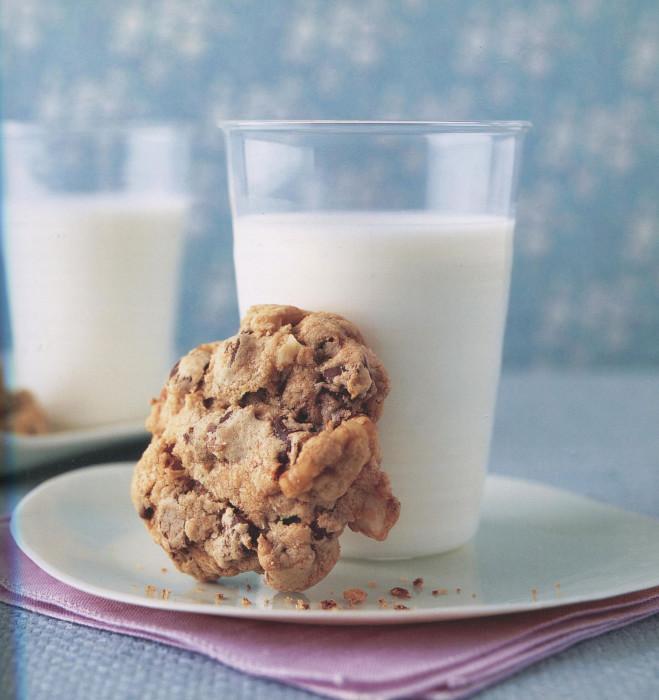 wc-Kitchen-Sink-Chocolate-Chip-Cookies