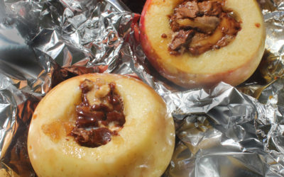 Chocolate-Stuffed Apples on the Grill